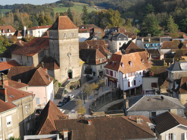L'église et le Saleys à Salies-de-Béarn